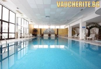 Нощувка със закуска и вечеря + ползване на закрит басейн, фитнес, сауна, джакузи и парна баня от хотел Пампорово 4*