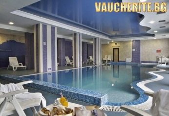 Нощувка със закуска и вечеря + ползване на закрит плувен басейн, сауна, парна баня, джакузи и фитнес от хотел Родопски дом, Чепеларе