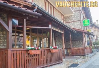 Нощувка със закуска + ползване на сауна и интернет от хотел Родина, Банско