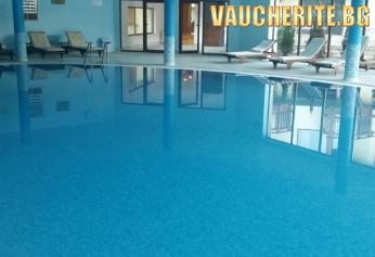 Нощувка със закуска и вечеря + ползване на вътрешен басейн, парна баня, сауна и фитнес от хотел Стражите, Банско