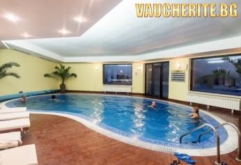 Нощувка със закуска и вечеря + ползване на вътрешен плувен басейн, сауна, парна баня, фитнес и детски кът от хотел Белвю, Пампорово