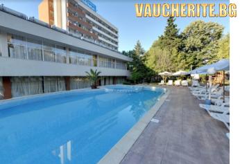 ALL INCLUSIVE + ползване на външен басейн с чадъри и шезлонги около него от хотел Тишина, Приморско