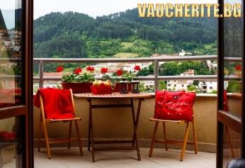 Нощувка със закуска и вечеря + ползване на релакс зона, парна баня и сауна от хотел Маунтин Бутик, Девин