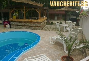 Нощувка + басейн и барбекю от Вилно Селище Кокиче 2, Приморско