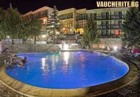 Закуска или All Inclusive Light +вътрешен и външен басейн с МИНЕРАЛНА ВОДА,  сауна и паркинг от хотел Виталис, с. Пчелин