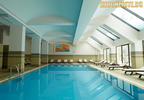 Закуска или закуска и вечеря + вътрешен басейн, фитнес и термо зона от хотел Феста Уинтър Палас 5*, Боровец