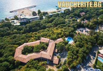 All Inclusive + открит басейн с детска секция от хотел Преслав (само на 200м. от плажа), Златни пясъци