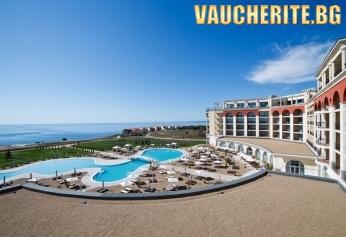 Закуска + басейн, СПА център и чадър и шезлонг на плаж Чери Бийч от хотел Лайтхаус Голф & СПА 5*, Балчик