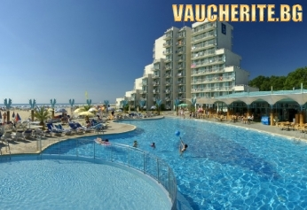 All Inclusive + открит басейн, чадър и 2 шезлонга на плажа от хотел Боряна 3*, Албена