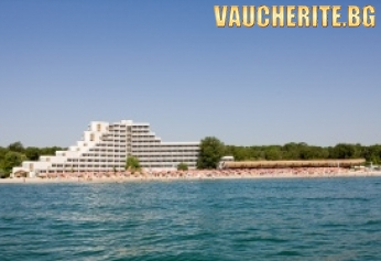 All inclusive + басейн, чадър и 2 шезлонга на плажа от хотел Гергана, Албена