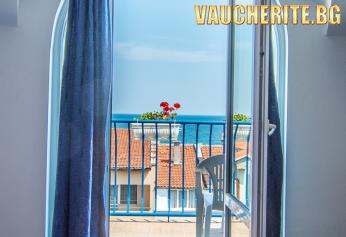 All Inclusive Light и БОНУС дете до 13,99г БЕЗПЛАТНО + ползване на басейн, ЧАДЪР И ШЕЗЛОНГ НА БАСЕЙНА И НА ПЛАЖА и напитки от бар на плажа от хотел Елвира, Равда