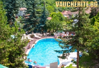 Закуска или All Inclusive + целогодишен външен минерален басейн, вътрешен басейн, сауна и паркинг от хотел Виталис, с. Пчелин