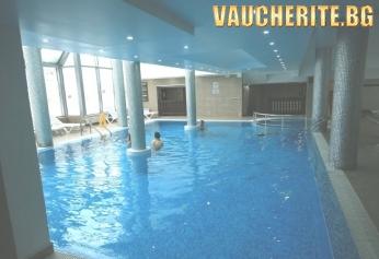 Закуски и вечери + вътрешен басейн, СПА център и трансфер до лифта от хотел Гинес, Банско
