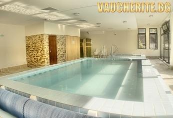 Закуска + басейн, суха сауна и парна баня от хотел Планината, Рибарица