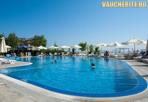 РАННИ ЗАПИСВАНИЯ -15% до 31.05.2021г. Ultra All Inclusive + външен басейн с чадъри и шезлонги и паркинг от хотел Оазис дел Маре, Лозенец