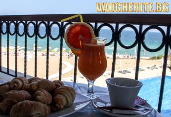 Закуска + басейн, чадър и шезлонг на плажа и анимация от хотел Морско Конче, между Китен и Лозенец НА ПЪРВА ЛИНИЯ