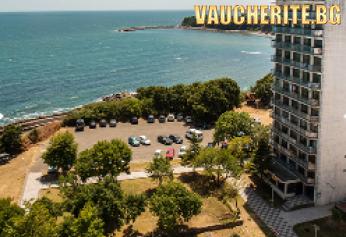 All Inclusive + открит басейн с чадър и шезлонг и интернет от хотел Кремиковци, Китен, на 100м от плажа
