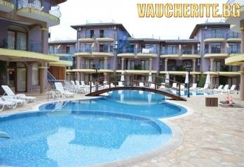 Нощувка + външен басейн, интернет и паркинг от хотел Гардън бийч, на метри от плажа в Созопол
