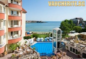 Закуска + басейн с чадър и шезлонг и фитнес от хотел Вила Лист, Созопол