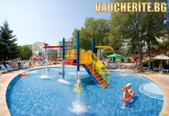 All Inclusive + външен басейн, чадър и два шезлонга НА ПЛАЖА и интернет от хотел Лагуна Маре, на 150м от плажа в Албена