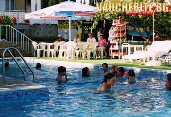 All Inclusive + басейн от хотел Аврора, Св. Константин и Елена, на 500м от плажа