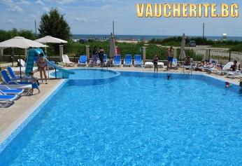 All Inclusive + басейн и чадър и шезлонг НА ПЛАЖА от хотел Верамар Бийч, Кранево, НА ПЪРВА ЛИНИЯ