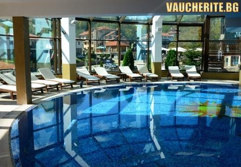 Закуска и вечеря + вътрешен минерален басейн и релакс зона от хотел Алфарезорт Палас, с. Чифлик