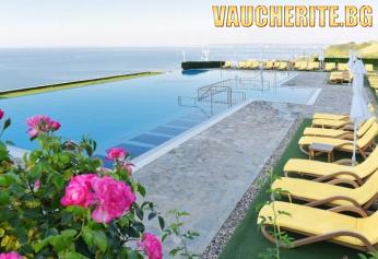 All Inclusive + басейн с чадър и шезлонг и АКВАПАРК от хотел Топола Скайс, Балчик, на метри от плажа