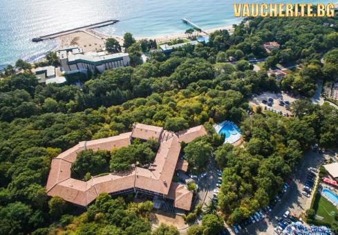 All Inclusive + открит басейн с детска секция, детска стая и АНИМАЦИЯ 2 пъти в седмицата от хотел Преслав, Златни пясъци на 200м от плажа